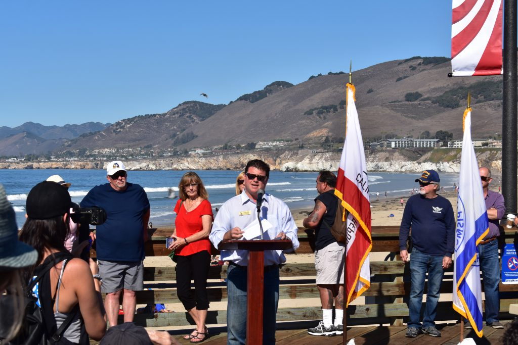 Pismo Beach City Manager Jim Lewis Speaks to Crowd